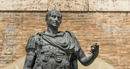 statue-of-gaius-julius-caesar-in-rimini-italy-shutterstock-800x430